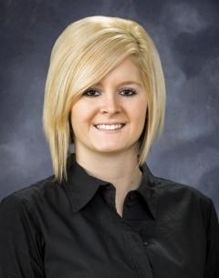 Business head shot of Catrina.