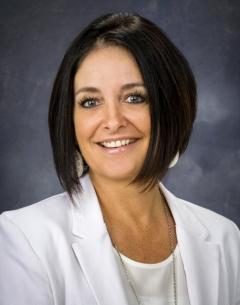 Business head shot of Debbie Owen.