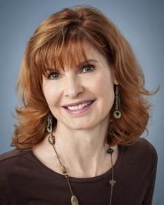 Business head shot of Doris Daniels.