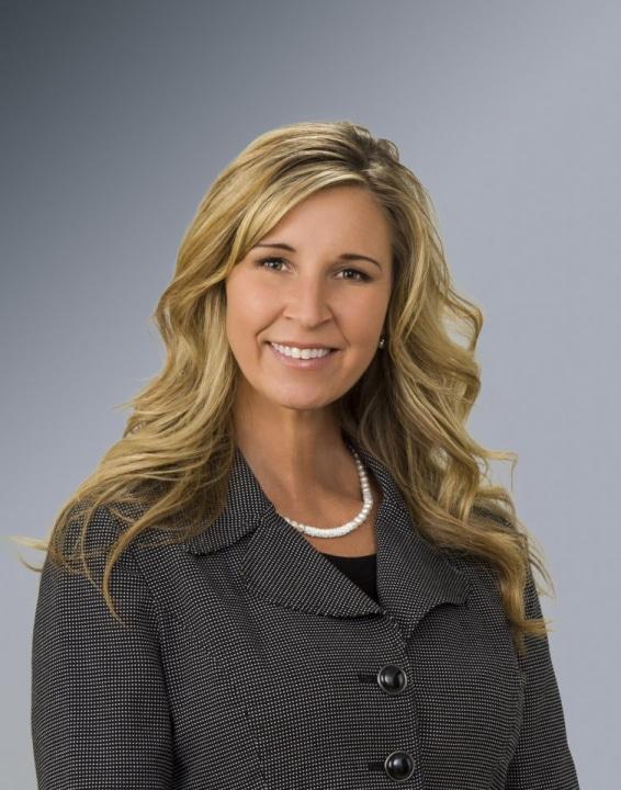 Business head shot of Renee.